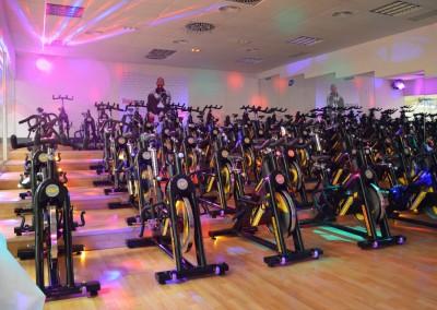 Sala ciclo con luces